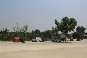 公墓停车场
