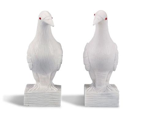 精雕汉白玉红玛瑙眼睛鸽子