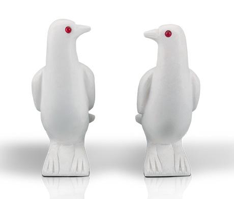 汉白玉和平鸽