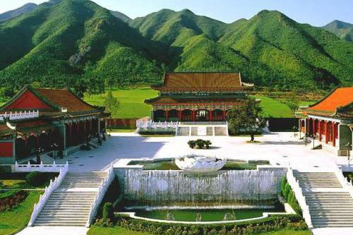 天寿陵园古色古香的建筑
