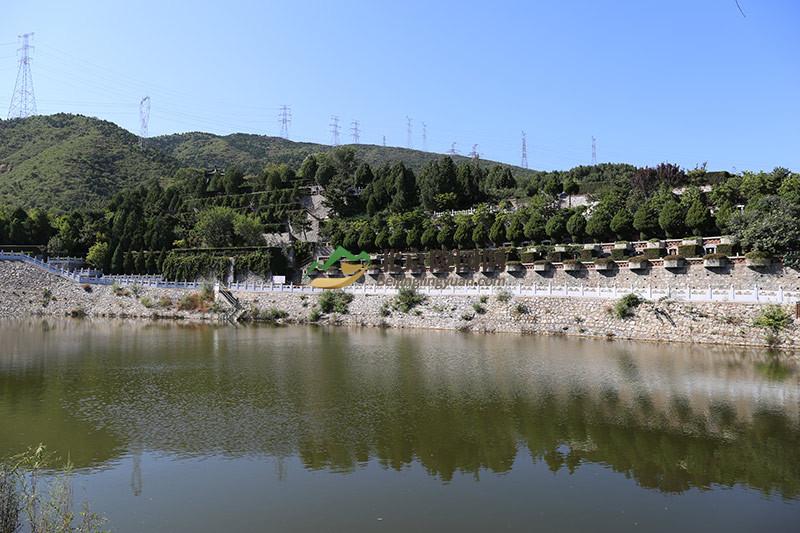万佛华侨陵园水系景观